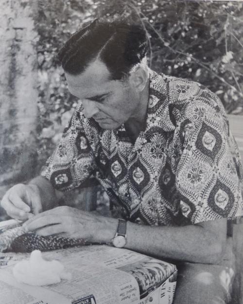 1959 JB skinning a bird DSCN9170 (1)